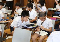 6月27日(水)音楽科「和音の音で旋律づくり」(6年生)