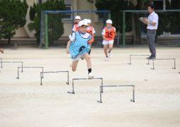5月17日(木)体育科「小型ハードル走」(4年生)