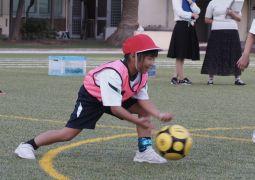 10月15日(火)1年体育科「ボール転がしゲーム」