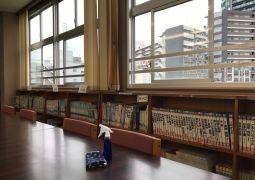 図書委員会活動(消毒・換気の作業)