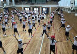 今日の体育はダンス!!